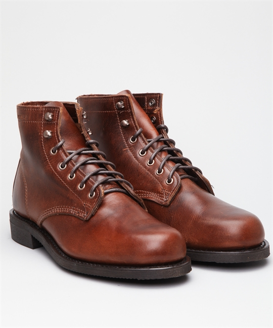wolverine kilometer ii brown shoes shoes online lester store